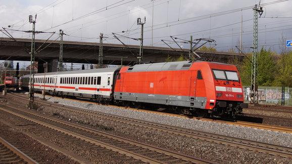 DB BR 101 115-4 met IC Naar Altona